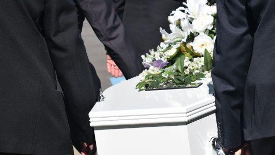 Normas de etiqueta: funeral y cementerio